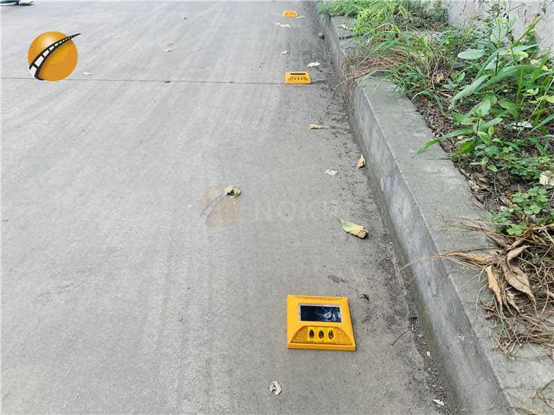 2ml autosampler vialPlastic Solar Raised Pavement Marker For Urban Road